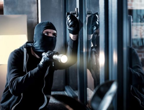HOW TO RESPOND TO A HOME INVASION