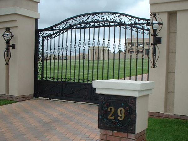 wrought-iron-driveway-gate