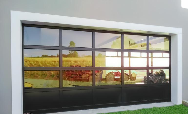 Residential-Aluminium-Garage-Door
